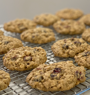 Gluten Free Cranberry Oatmeal Cookies thumbnail