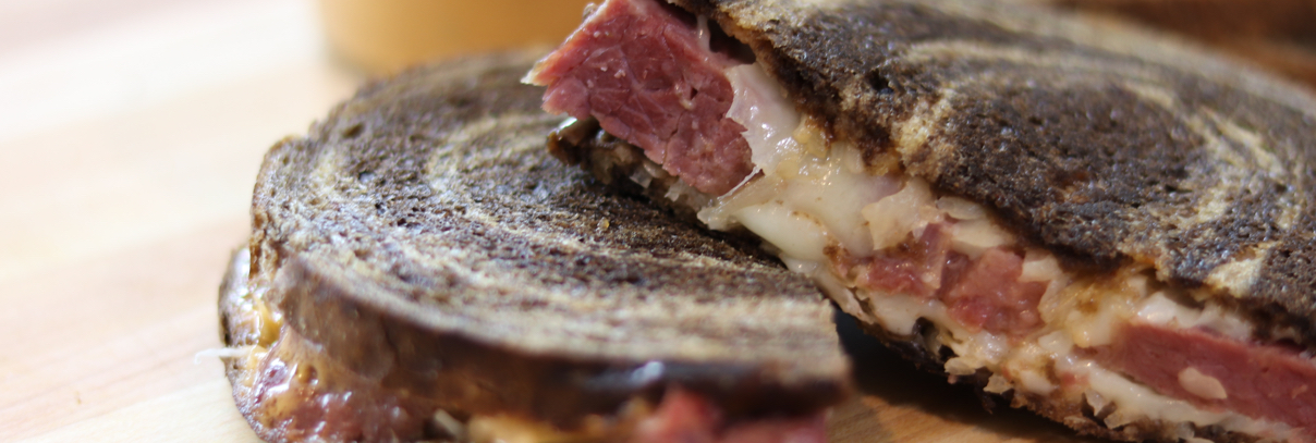 HOW TO MAKE A GRILLED REUBEN SANDWICH thumbnail